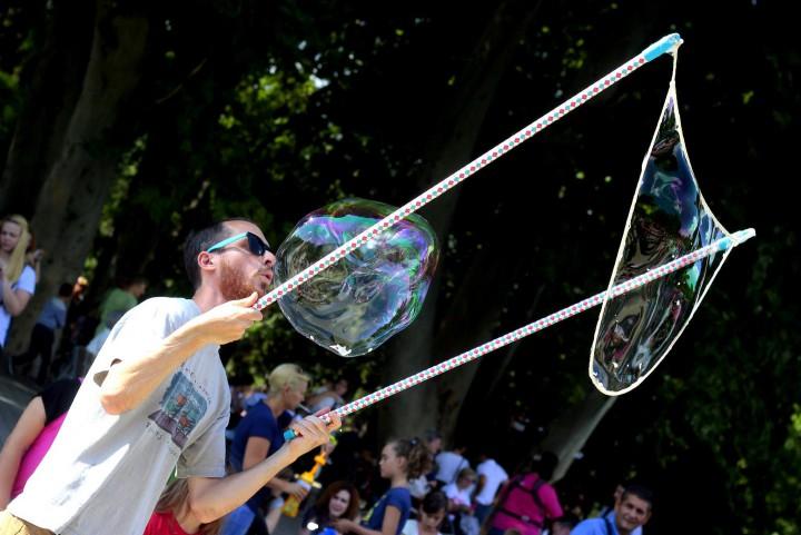 Buborékbüvölő