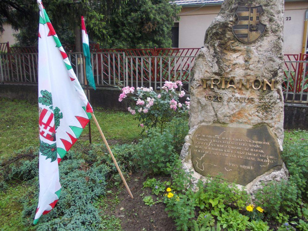 A vasasi Trianon-emlékmű