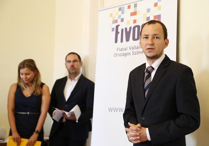 Őri László: Pécs épít a fiatalokra