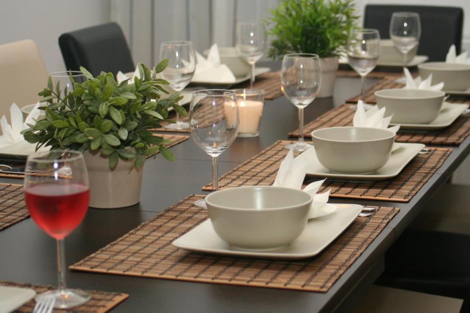 Várták a vendégeket, szép asztallal