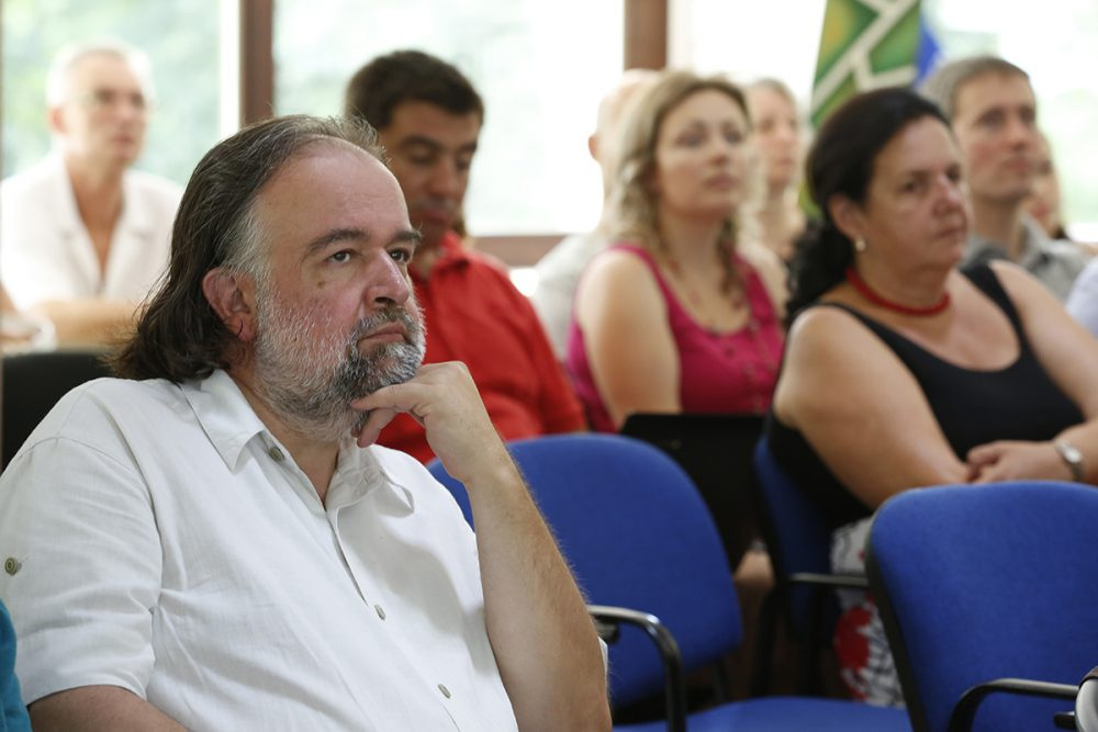 Giczey Péter a közösségi házakat mutatta be