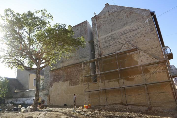 építkezés, appoló mozi mögött, hl2