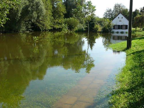 Révfalu áradáskor