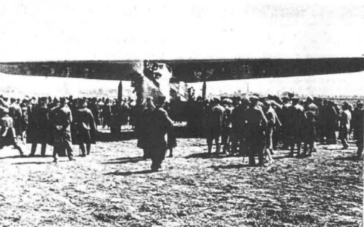 Az első utasszállító felszállása Pécsről
