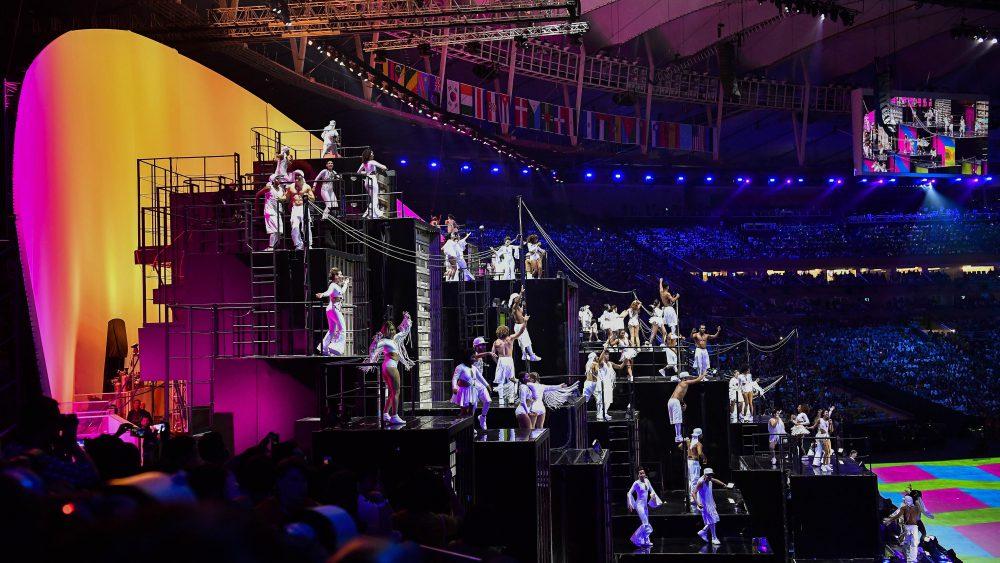 Rio de Janeiro, 2016. augusztus 6. Táncosok a XXXI. nyári olimpiai játékok megnyitóünnepségén a Rio de Janeiró-i Maracana Stadionban 2016. augusztus 5-én. MTI Fotó: Czeglédi Zsolt