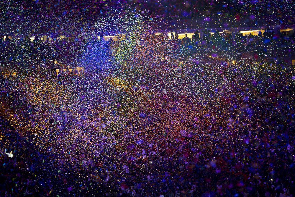Rio de Janeiro, 2016. augusztus 6. Konfetti hull a XXXI. nyári olimpiai játékok megnyitóünnepsége végén a Rio de Janeiró-i Maracana Stadionban 2016. augusztus 5-én.  MTI Fotó: Czeglédi Zsolt