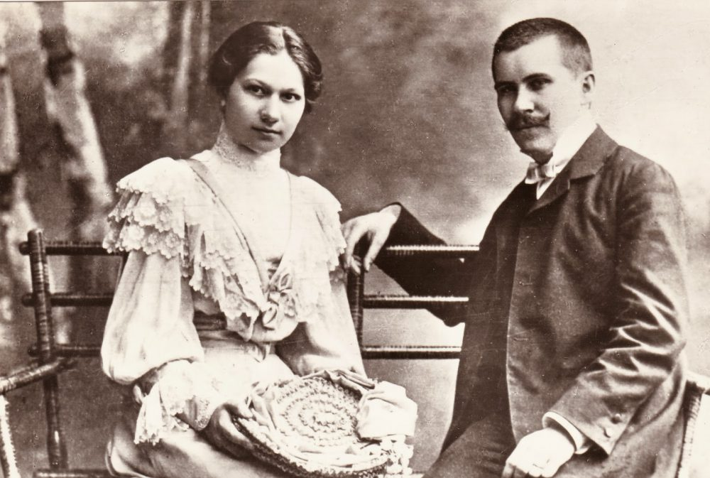 Az író és első felesége, Holics Janka