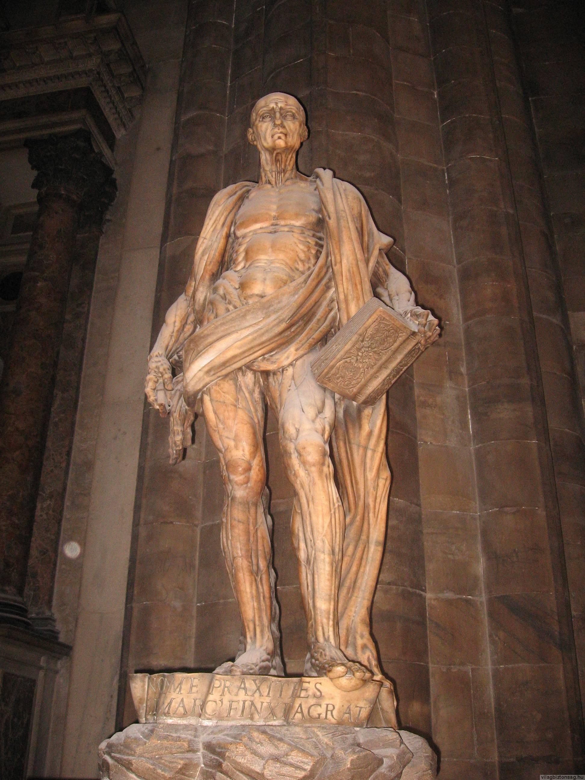 A bőrtelen apostol szobra Milánóban