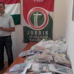 Sokakat megjutalmazott a Jobbik tanszermikulása