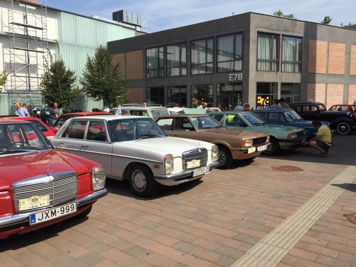 Horvátországból és Szerbiából is érkeztek autók