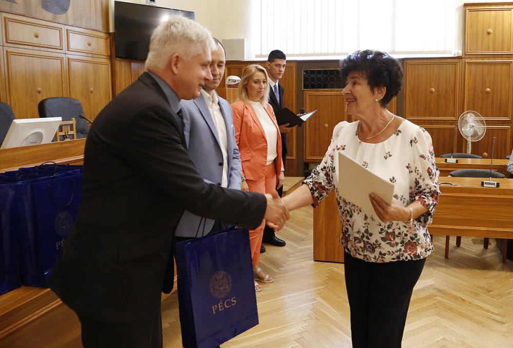 Unger Pálma színművész is átvette jubileumi ajándékát