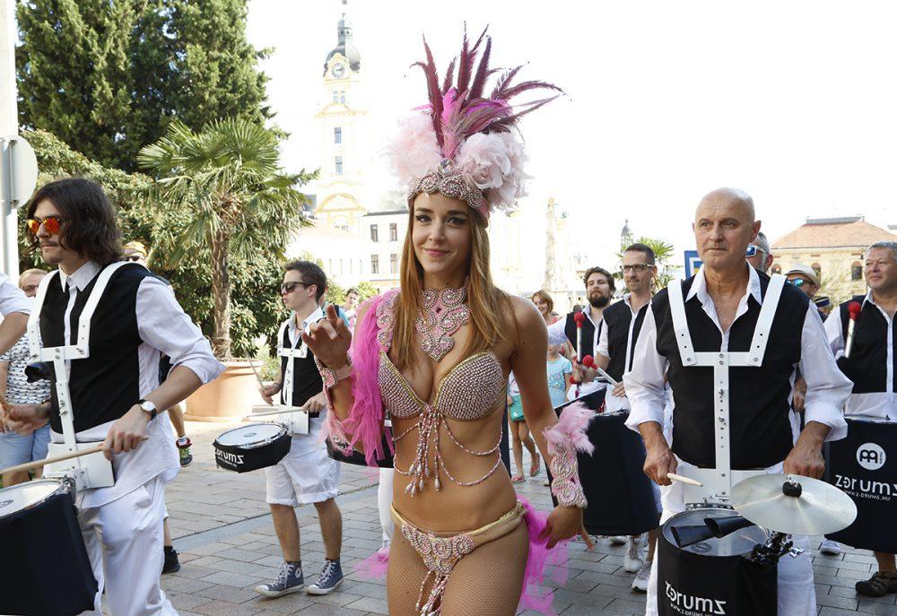 pécs city karnevál, hl25