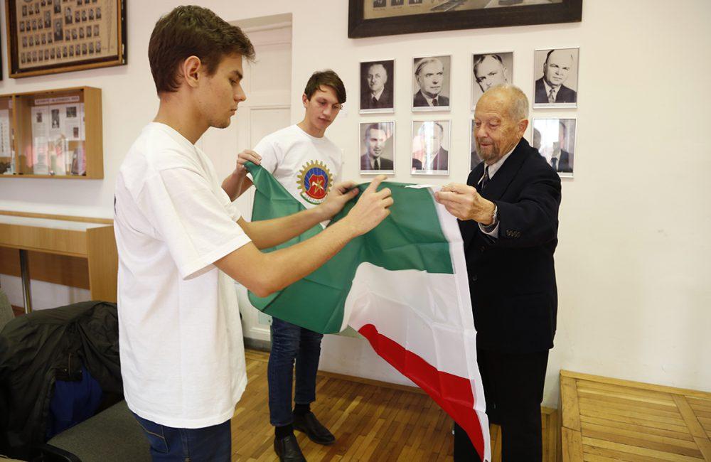 Ung Ferenc őrzi '56 emlékét