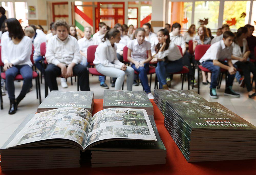 A Meszesi iskola diákjai örülhettek először a képregénynek