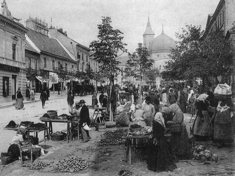 A Széchenyi téri piac az Irgalmasok utcájára is elért