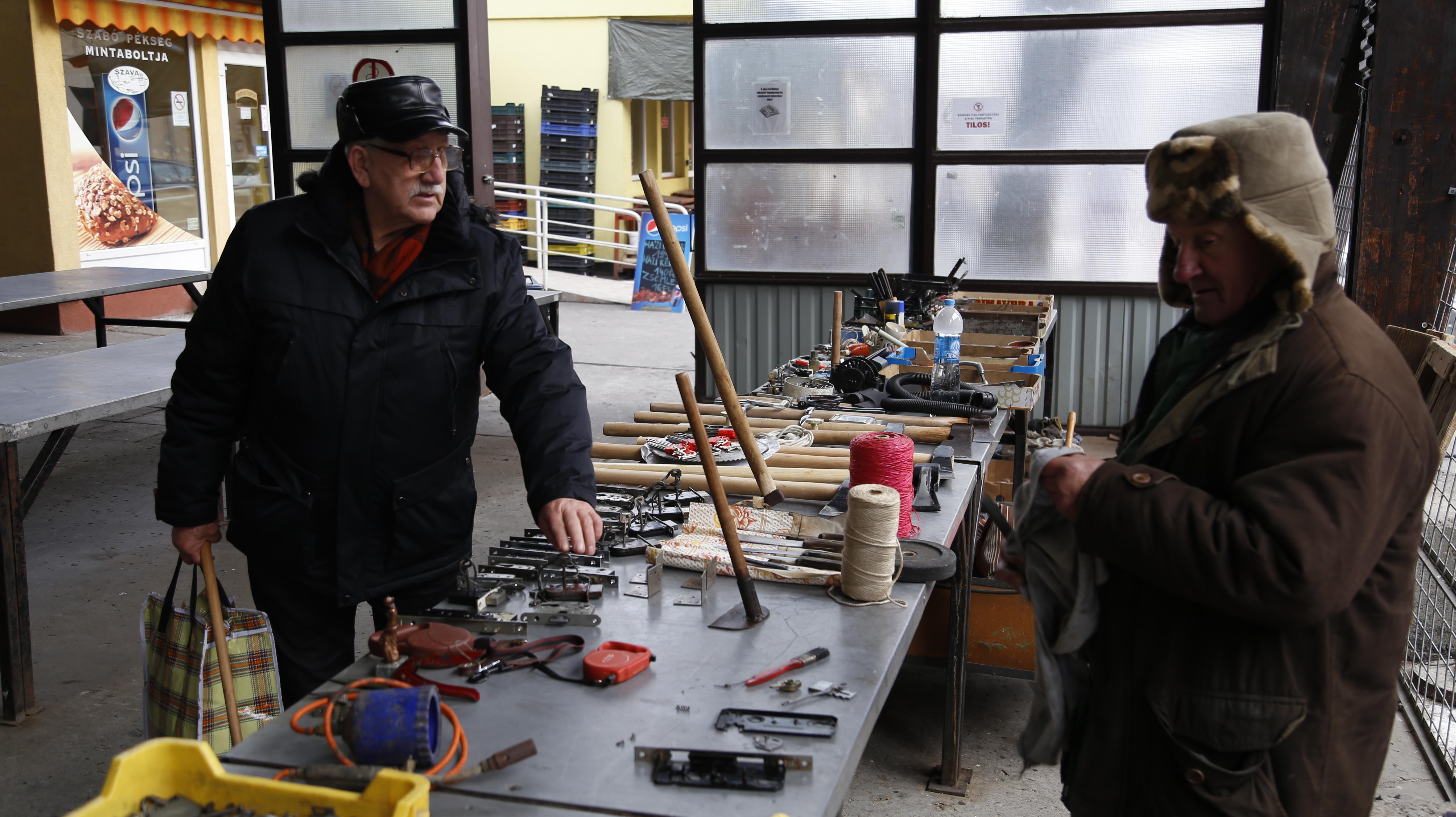 Juhász Imre és Márton Imre: a piac öreg harcosai