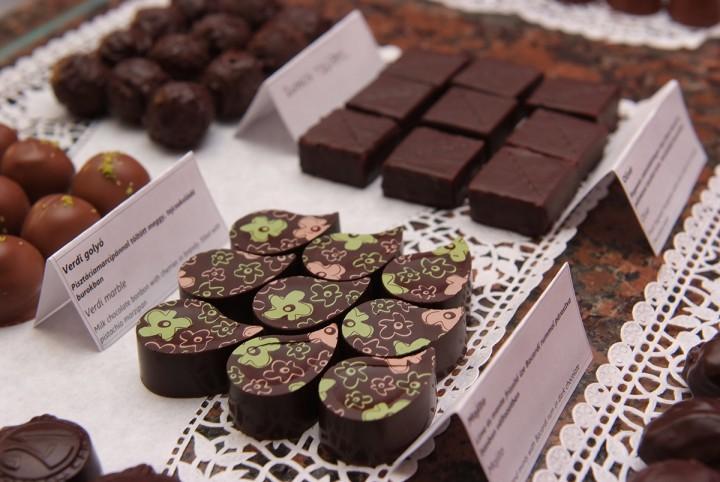A jó csokiból nem kell sokat enni, abból elég egy-egy falat!