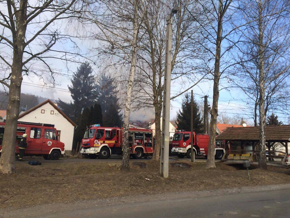 Nagy erőkkel vonult ki a tűzoltóság