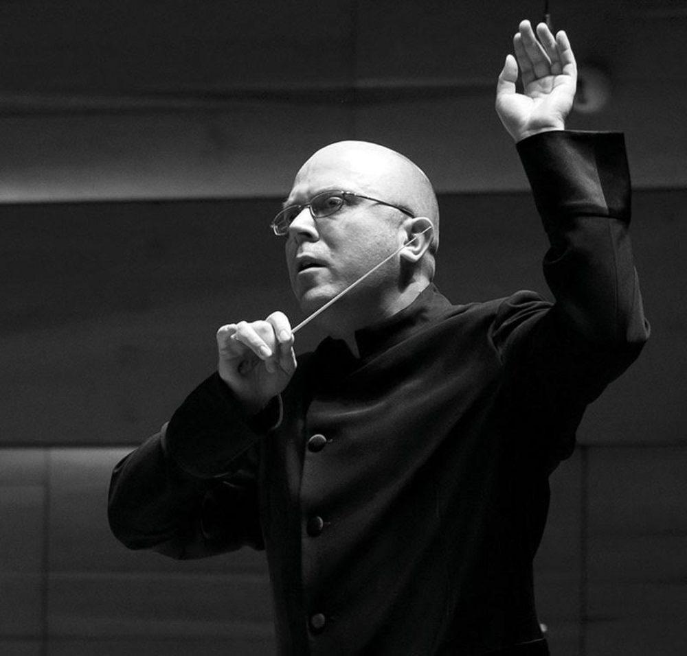 Vass András vezényli a filharmonikusokat az esten