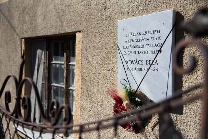 Kovács Béla ház tábla