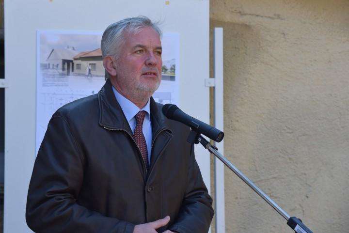 Páva Zsolt: Kovács Béla személyén keresztül Pécs egy olyan szemlelettel bővül, amire büszkék lehetünk