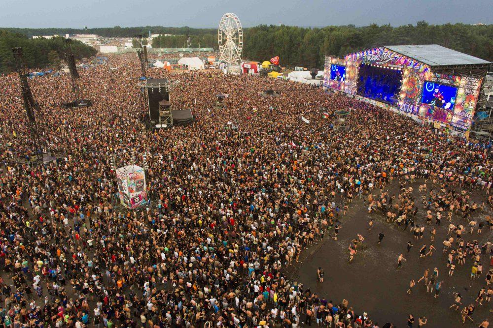 A lengyel Woodstock hatalmas dagonyával jár!
