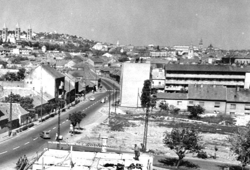 A Magasház helye 1969-ben, az előtérben a Szigeti úti négyemeletes szalagház