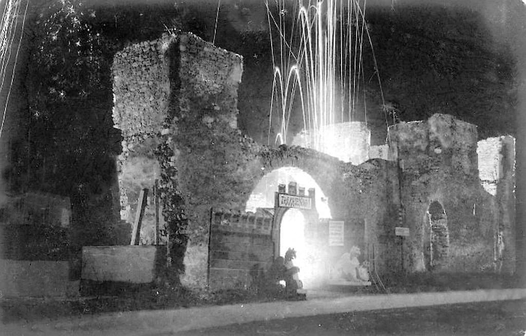Reéh György tűzijátéka a Tettyén (Forrás: Régi Pécs Facebook)