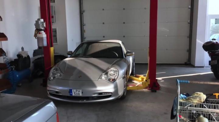 A csoda Porsche, amivel átszelik majd a Földet