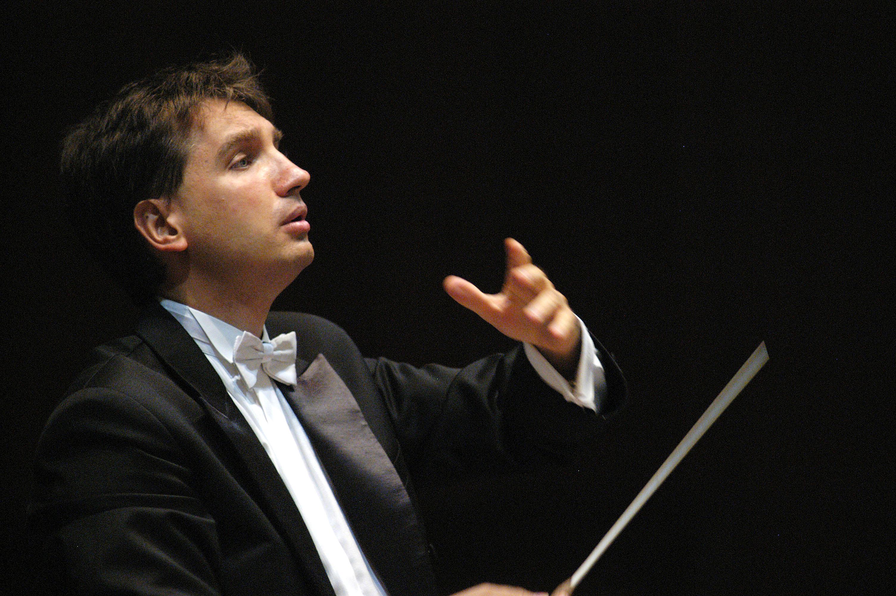 Padova  ottobre 2004  Il direttore d'Orchestra Zsolt Hamar  all'Auditorium Pollini  dirige, come primo direttore ospite, l'Orchestra di Padova e del Veneto © Franco Tanel/D-Day