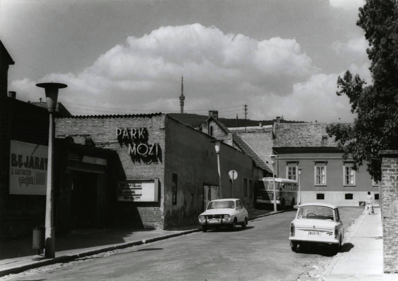 A Park Mozi a '70-es években (Fotó: Régi Pécs Facebook)