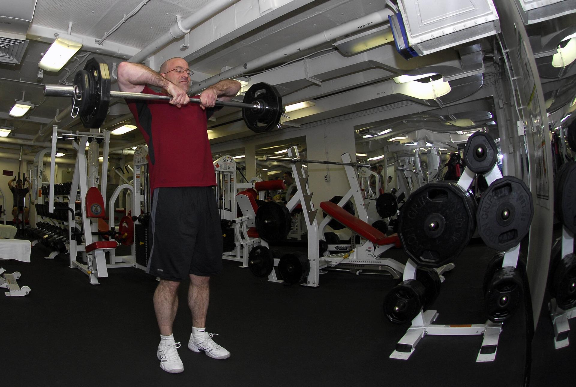 edzőterem kondi idős