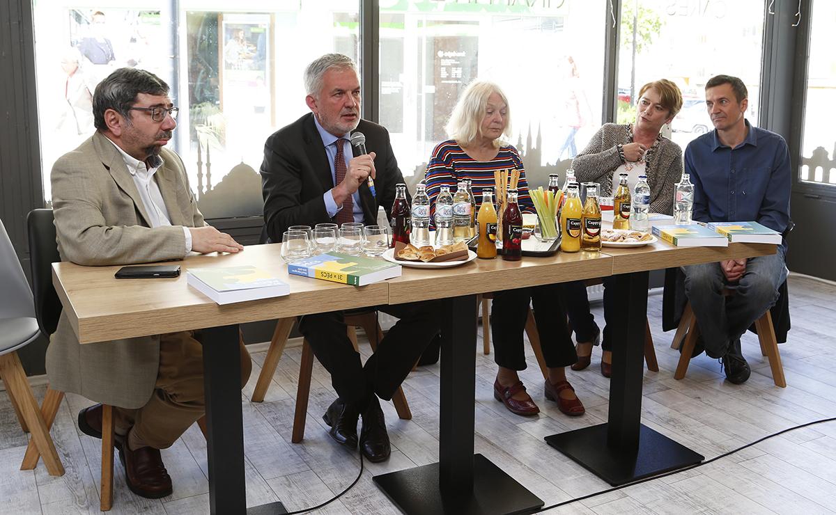 Méhes Károly, Páva Zsolt, Eda Kriesová cseh író, és Christian Futscher osztrák író az antológia bemutatóján
