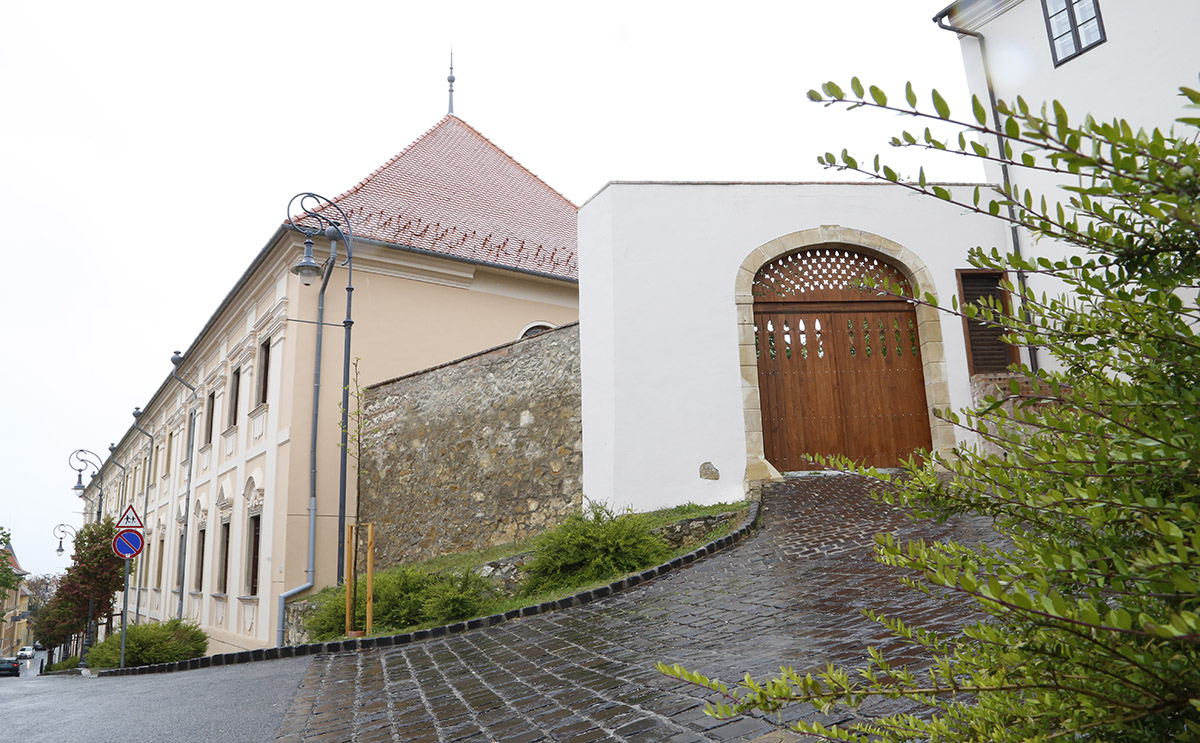 szent mór iskolaközpont, hl01