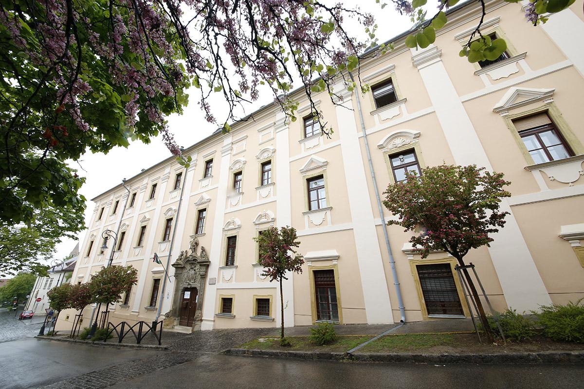 szent mór iskolaközpont, hl02