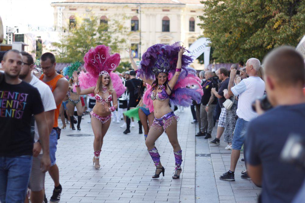 Ötödik alkalommal rendezték meg a Pécs City Karnevált 7cc8eb6124